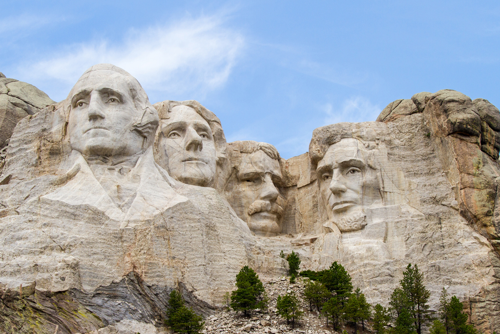 10 facts you didn t know about mount rushmore sierra for Mount rushmore history facts