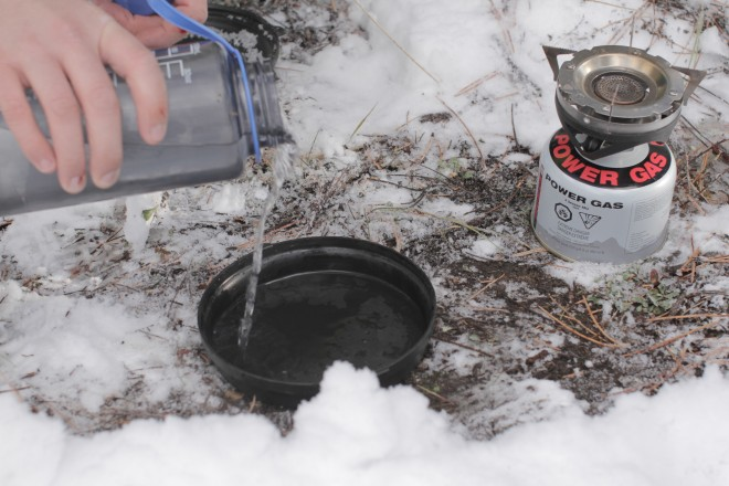 Canister stove in cold weather
