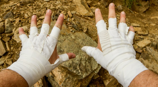 Tape gloves for rock climbing