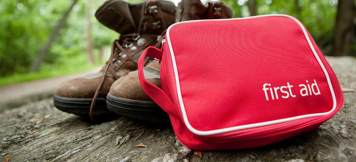 bacadaa33e Backcountry First Aid: Basics on Treating 4 Common Injuries | Sierra ...